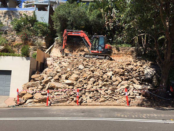 Rick-Davis-Contracting-Excavator-Rock-Breaking-Sydney