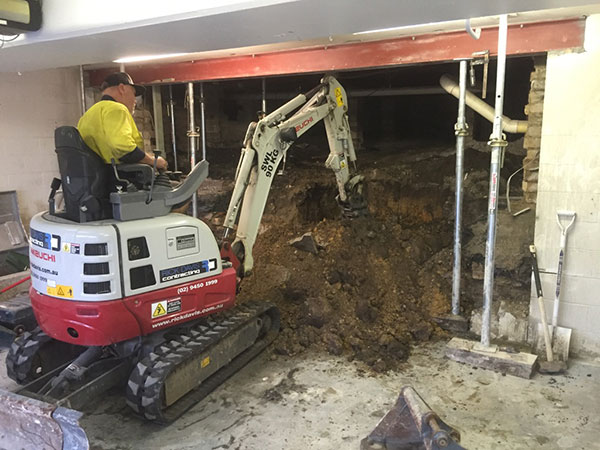 Rick-Davis-Contracting-Mini-Excavator-Excavation-Sydney