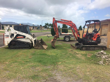 Rojo-Civil-Services-Construction-Material-Delivery-Townsville-bobcat-&-excavator