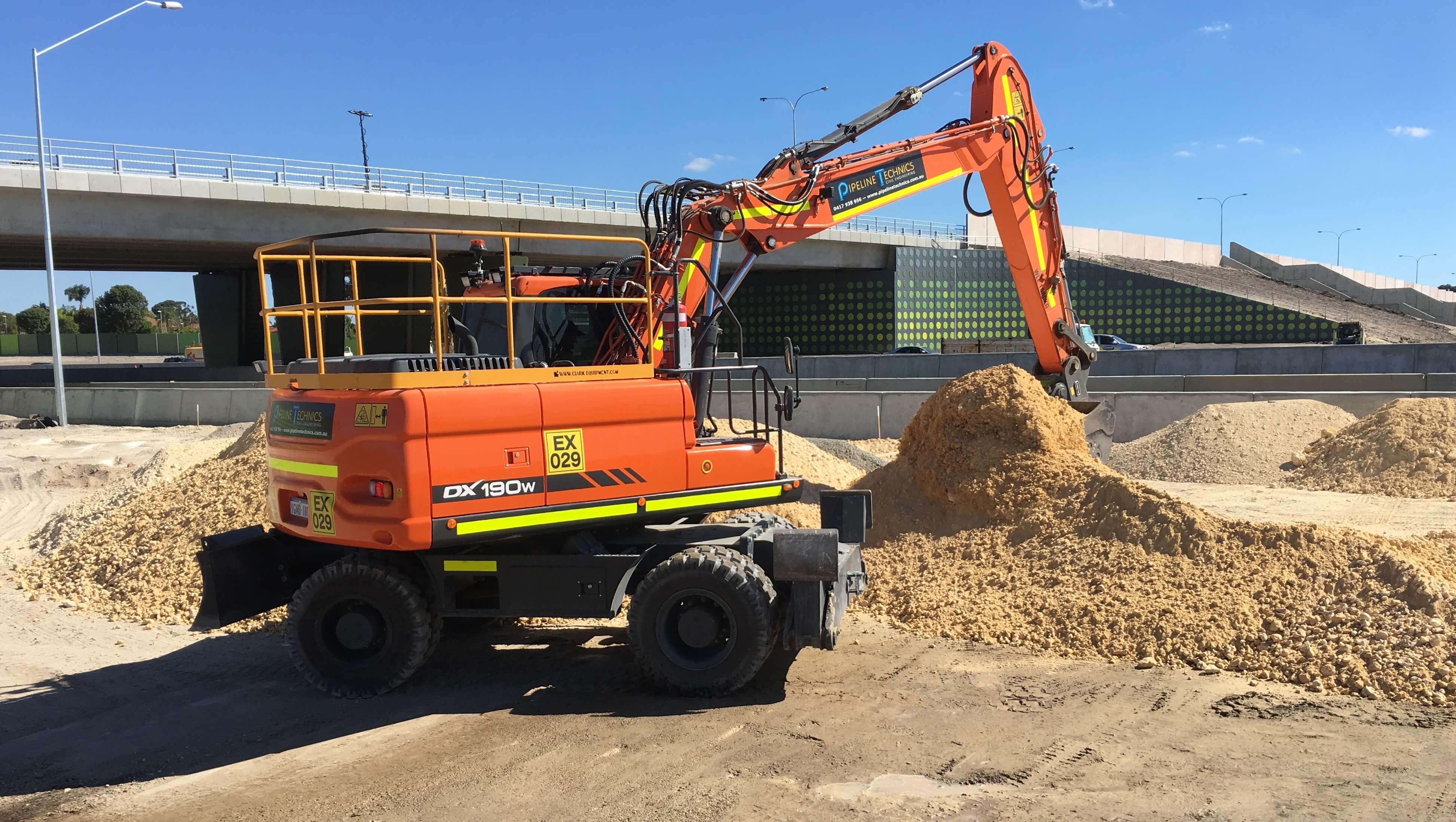 Hyundai Robex 55W-9 Wheeled Excavator for hire
