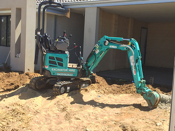 SSE-Plant-Hire-1T-Excavator-domestic-1-tonne-mini-excavator-hire