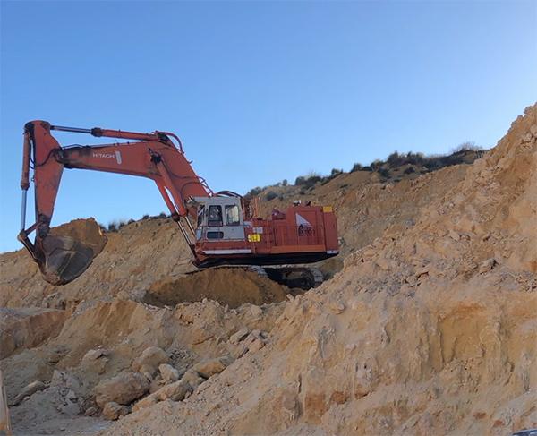 Saundex EX1100 hydraulic excavator