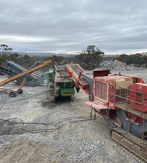Saundex J1175 Jaw Crusher on site