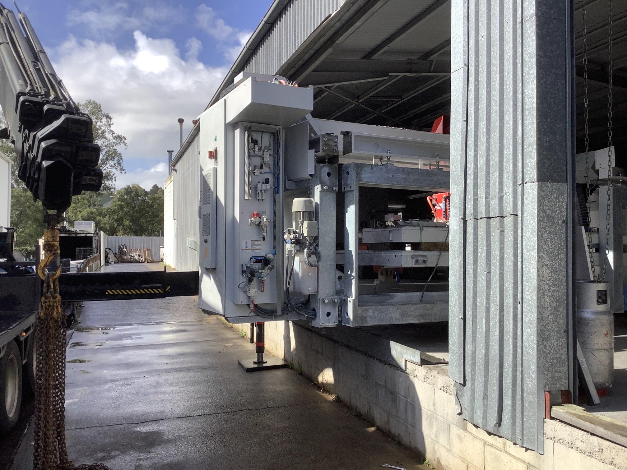scopescranes crane truck hire Stone saw low clearance