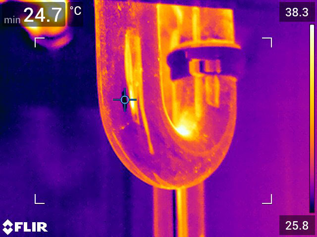 Water leak thermal image