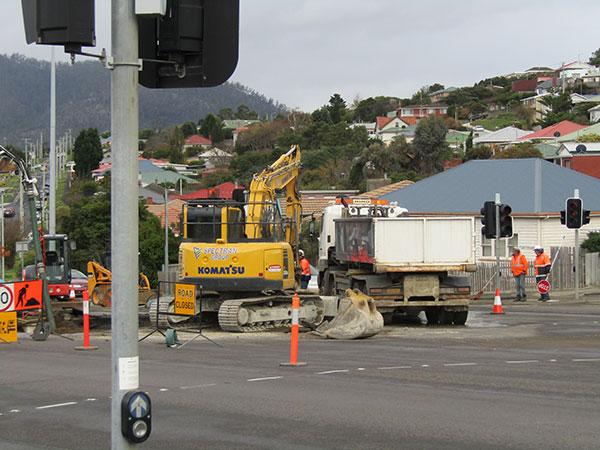 Spectran-Group-Excavator-Roadworks-Hobart