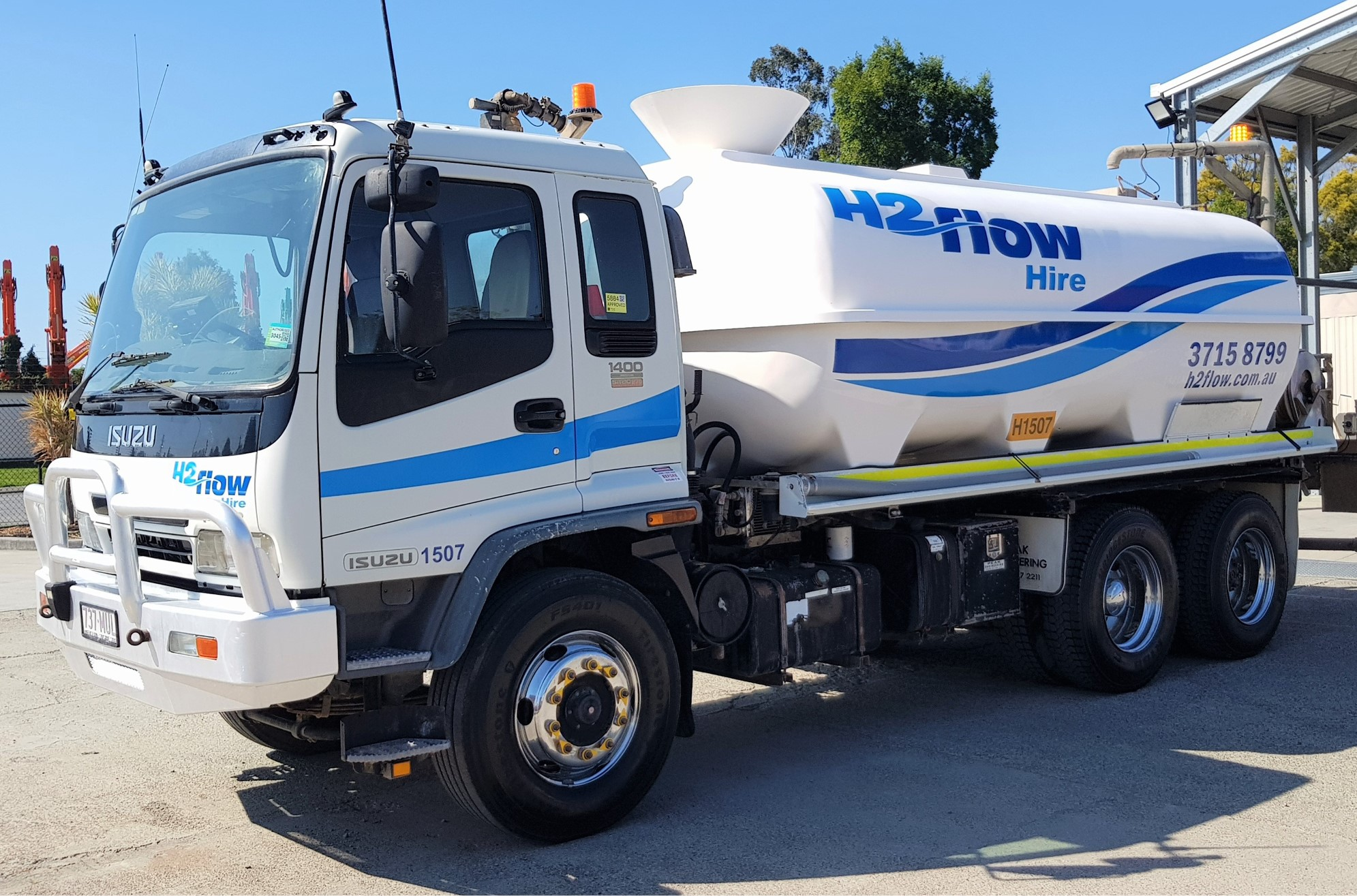 H2flow Hire truck after cleaning from the workshop team and branding from Saxon Signs.