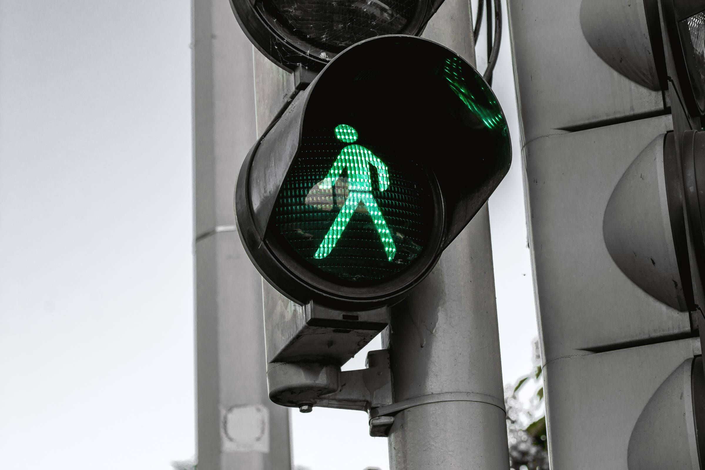 Traffic light walk signal