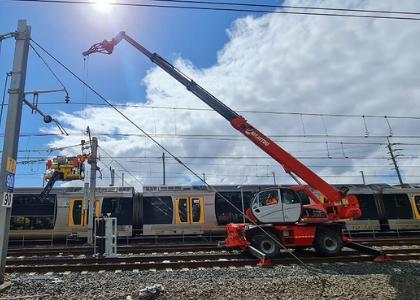 Hi-rail crane