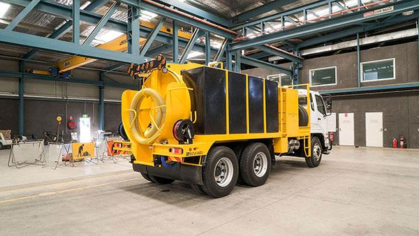 Vac-U-Digga-NZ-Vacuum-Truck-in-the-Christchurch-workshop