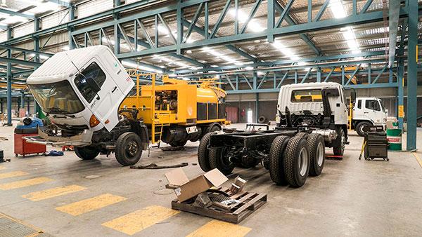 Vac-U-Digga-NZ-Vacuum-Trucks-in-the-workshop