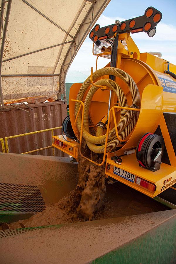 Vac_U_Digga_NZ-vacuum-excavator-Demo