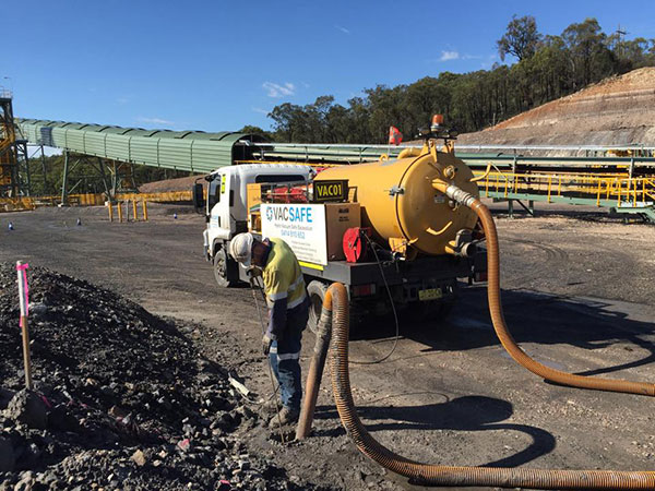 Vacsafe-water-jetting-hydro-excavation-operator-potholing-new-south-wales-Mudgee