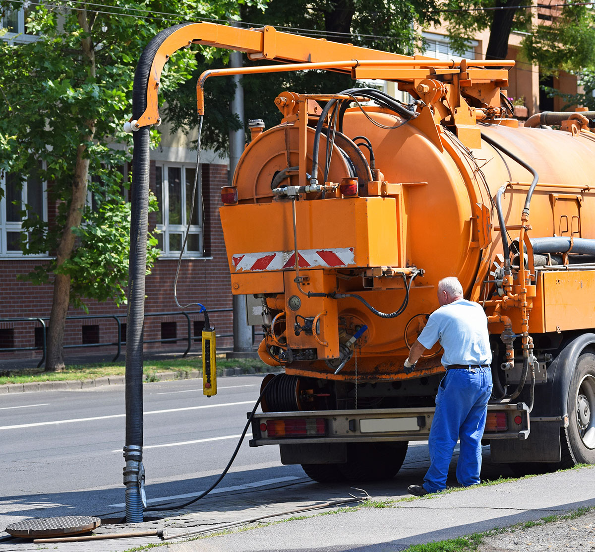 Equipped-Civil-and-Earthmoving-Vacuum Truck 1