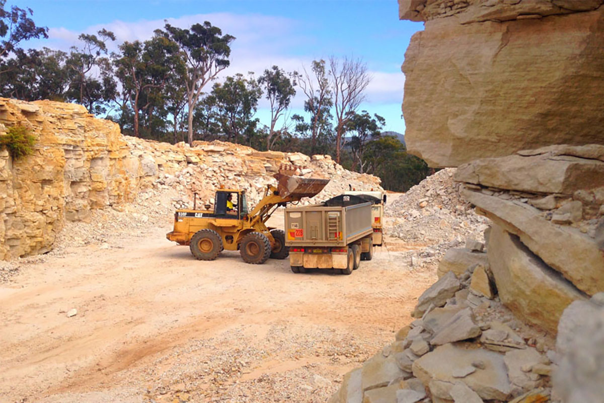 Valley-Earthworks-Dozer-and-Tipper-Grafton