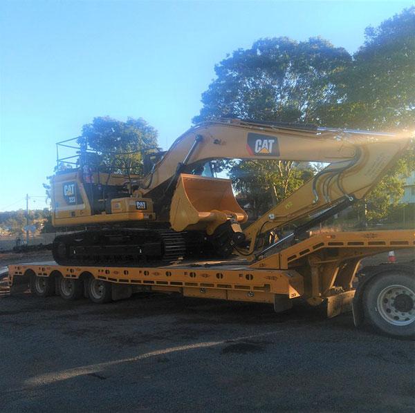 Valley-Earthworks-excavator-float-Yamba