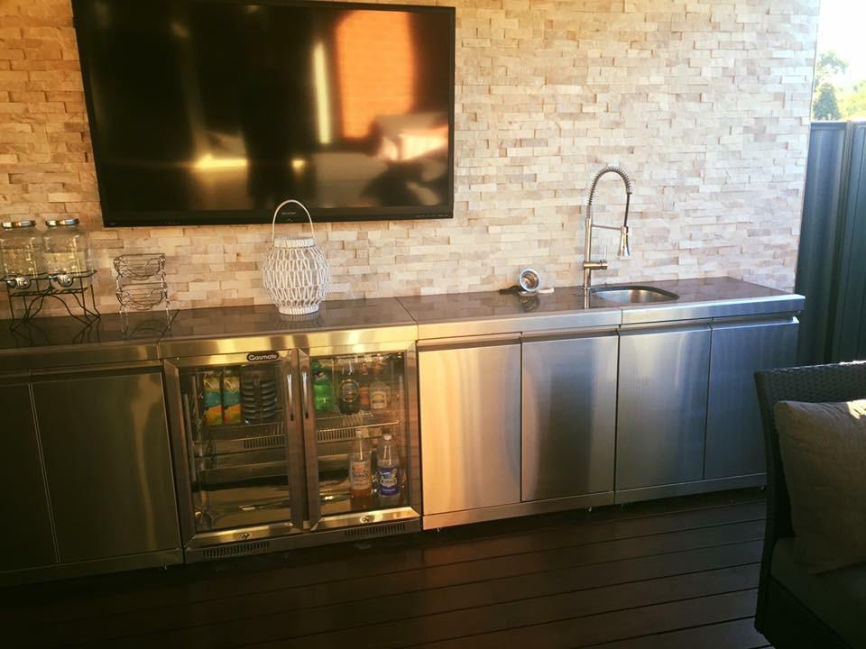 WJS outdoor kitchen