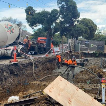 Black 39CX Concrete Pump Truck