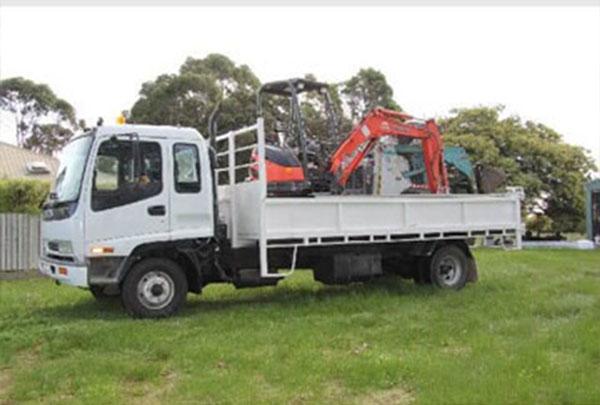 akwika-bobcat-and-truck-hire-capalaba