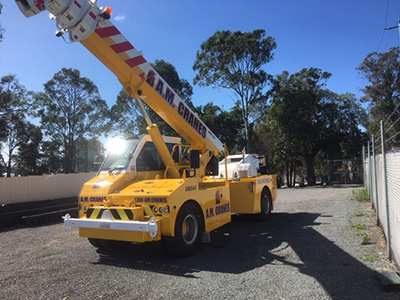 28T Pick and Carry Crane