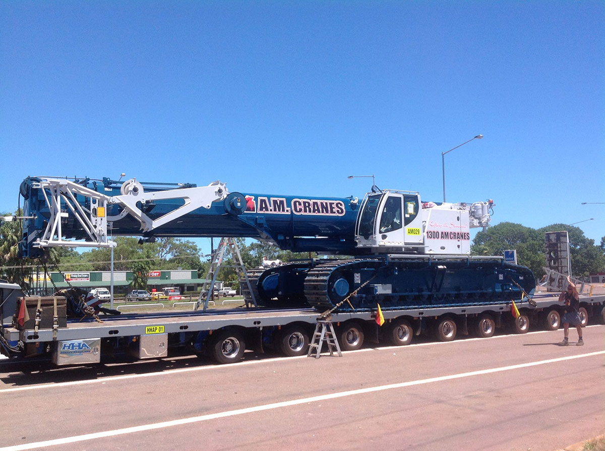 A.M. Cranes and Rigging 220 tonne crawler crane hire darwin
