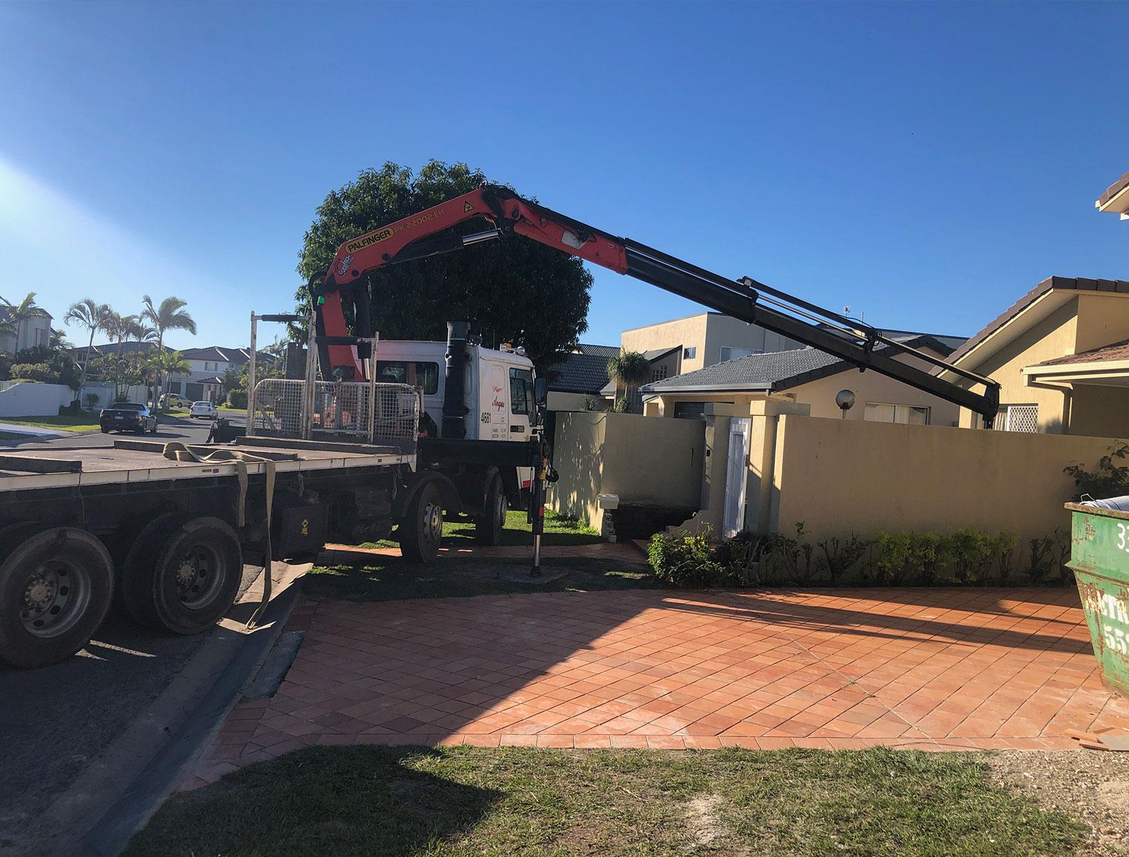 angus-hire-crane-truck-gold-coast