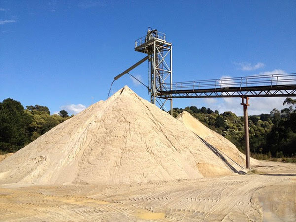 ausquip-quarry-material-pick-up-delivery-gold-coast