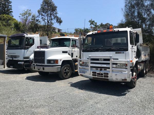Ausquip-tipper-truck-hire-gold-coast-fleet