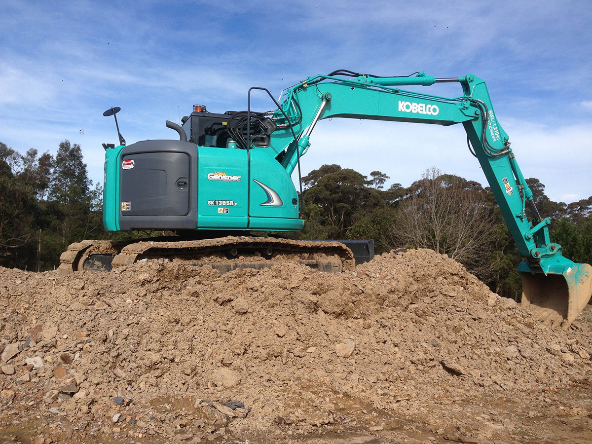 earthscape-excavator hire kobelco