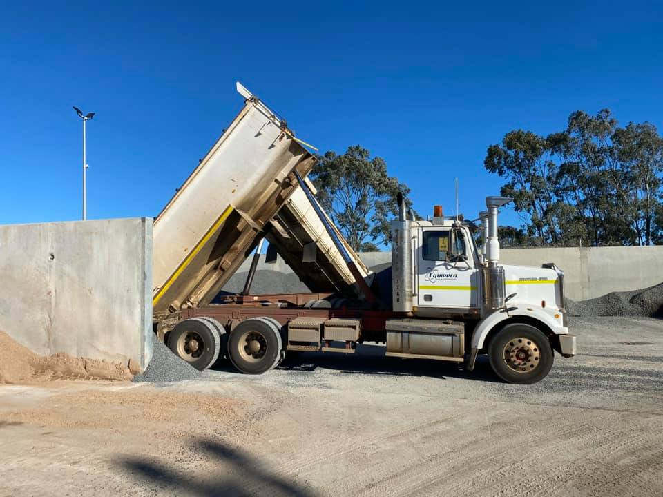 Equipped-Civil-and-Earthmoving Excavator-Truck-Hire-Brisbane-2