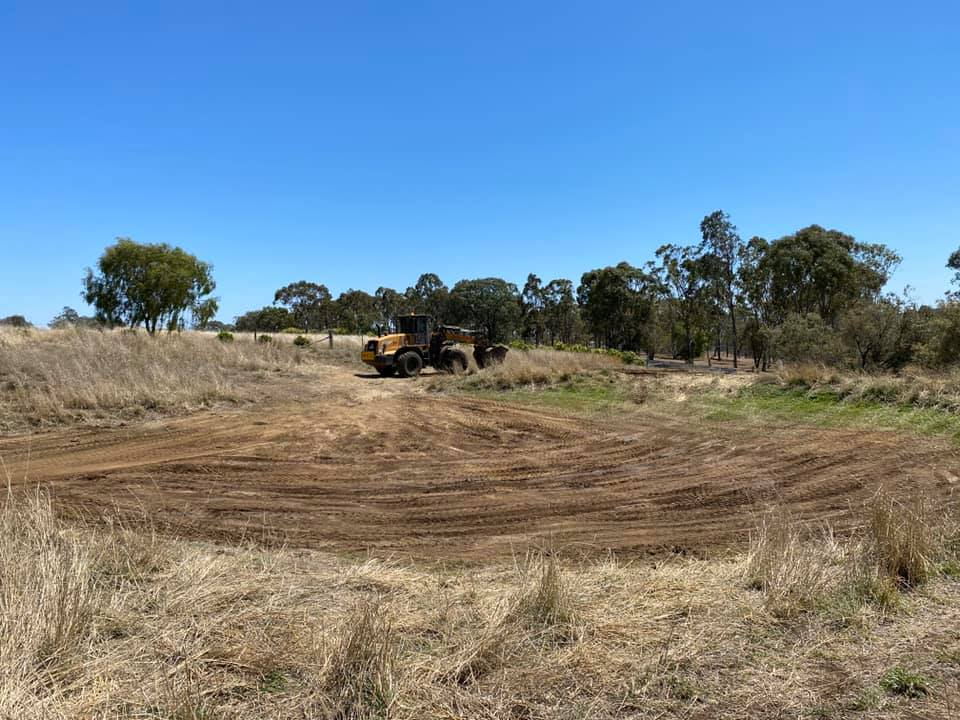 Equipped-Civil-and-Earthmoving-Truck-Float-Excavator-earthworks-Brisbane