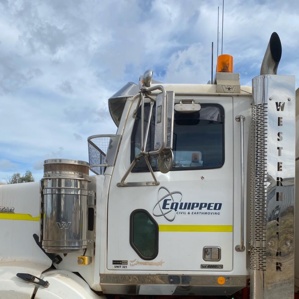 Equipped-Civil-and-Earthmoving-Fleet-Skid-Steer-Excavator-Truck-Hire-civil-construction-Brisbane-17