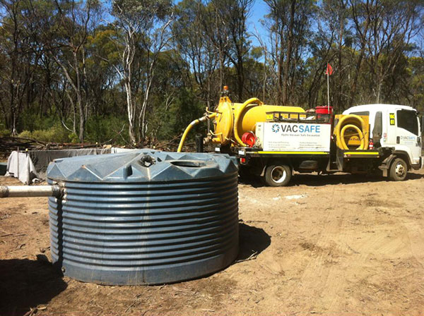 Vacsafe-suck-out-drillers-tanks-and-settling-pit-excess-water-and-waste-removal-mudgee