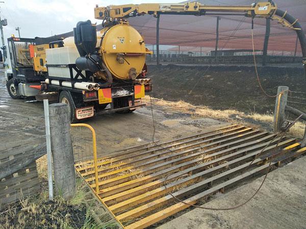 Ezali Hydro Excavations & Communications hydrovac vacuum trucks for hire Toowoomba