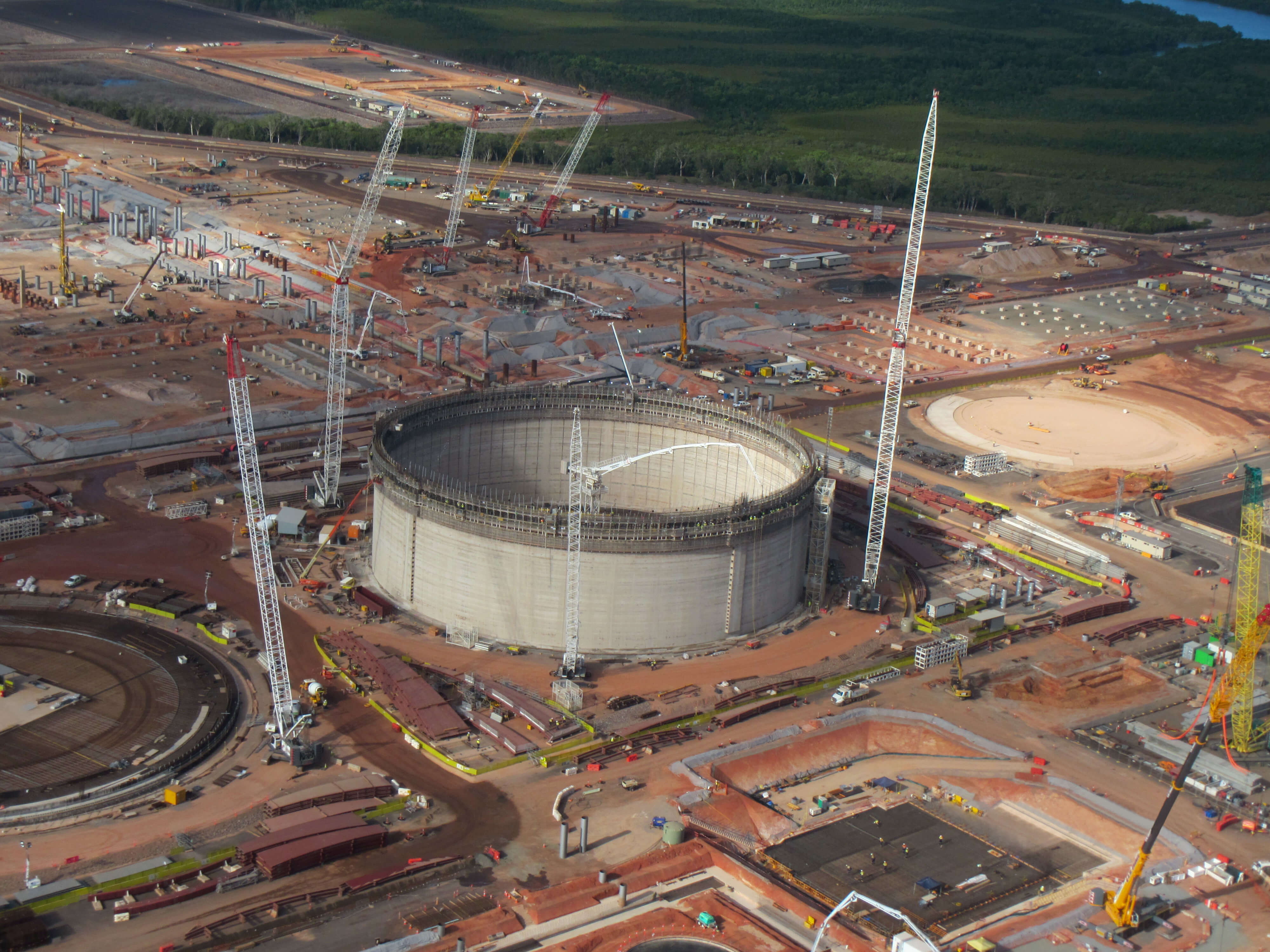 meales-underground-concrete-pumping-tank-lng-central-qld
