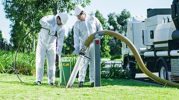 Futuretek Team excavating using vacuum excavation services