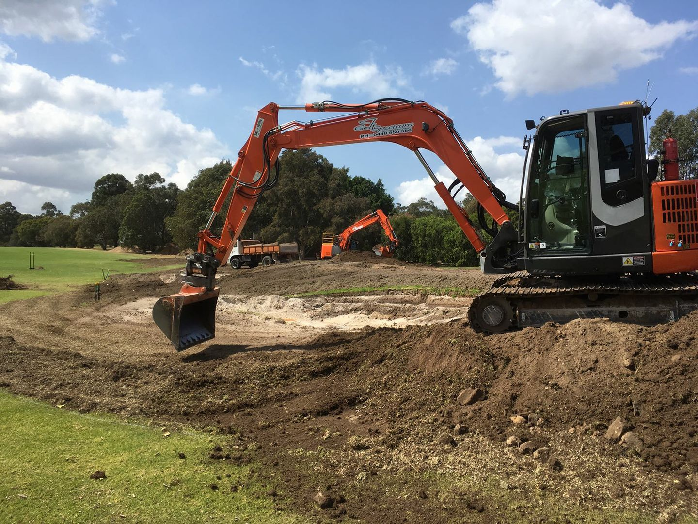 golf course construction excavator hire