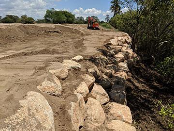 golf-spectrum-Rock-Wall-Sand-stone
