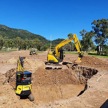 golf-spectrum-golf-course-design-brisbane-yellow-excavators-and-dozer-excavation
