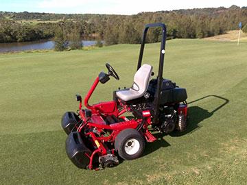 golf-spectrum-golf-course-maintenance-red-trimmer