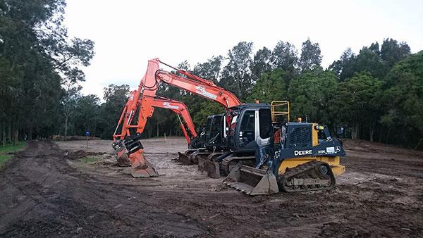 golf-spectrum-posi-track-excavator-hire-fleet-2