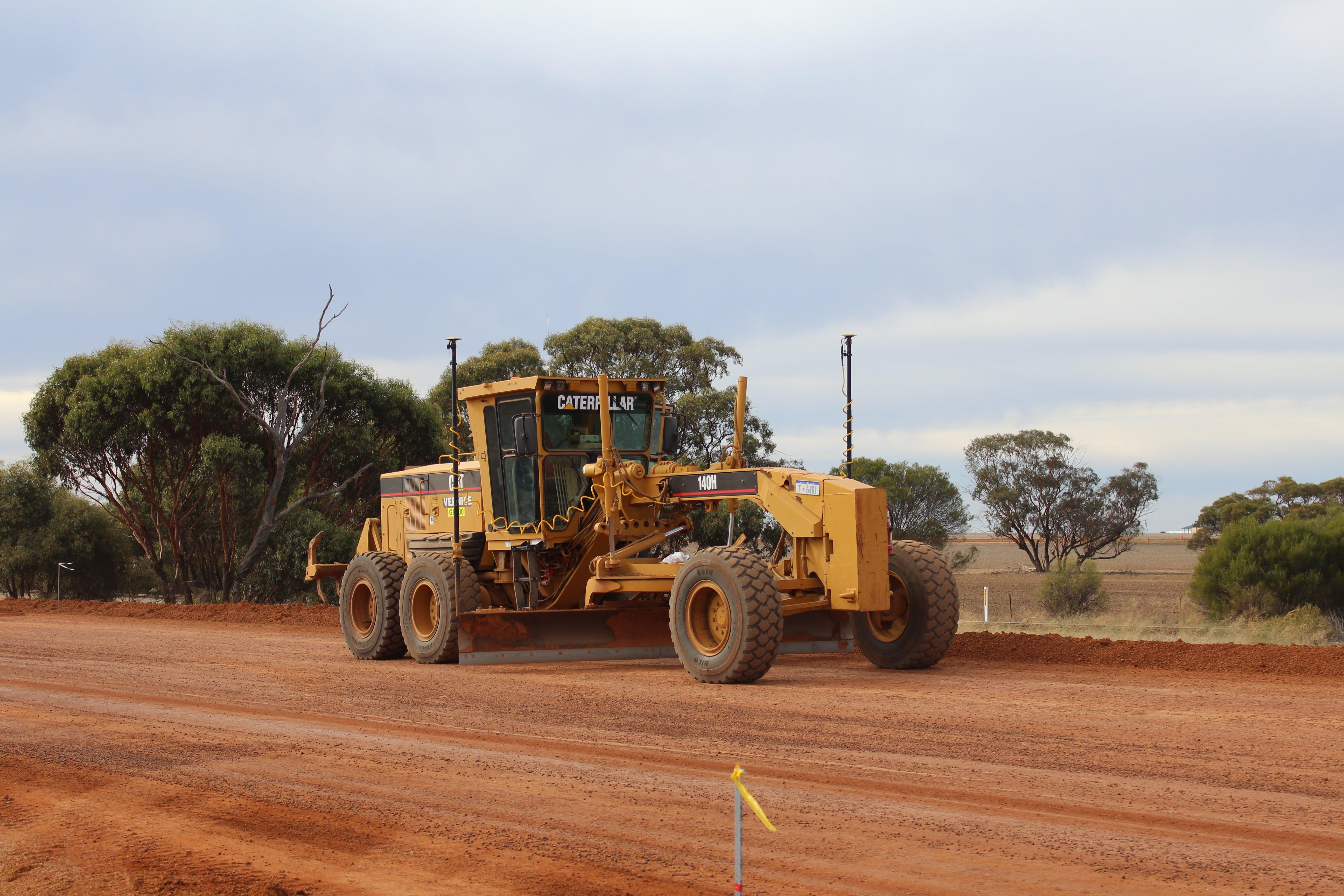 vernice-140h-grader-hire-perth-western-australia