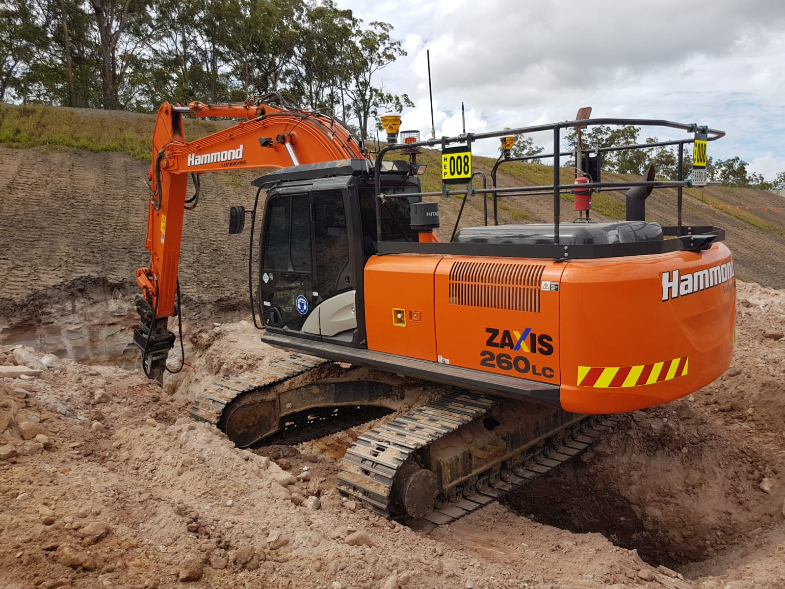 hammond-earthmoving-excavator-hire-brisbane