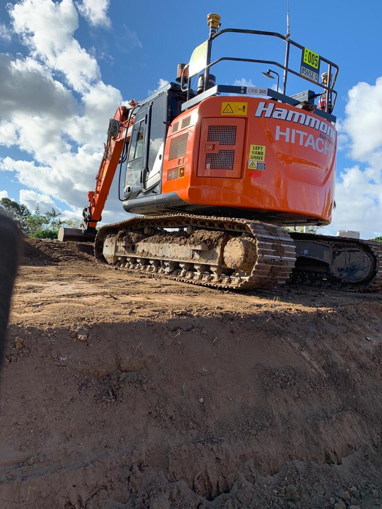 hammond-earthmoving-hire-excavator-brisbane