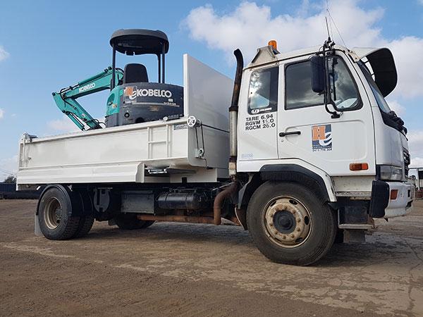 Hawe Earthmoving Kobelco 2011 5.5 Tonne Mini Excavator for hire Bundaberg