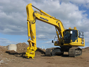 Hawe Earthmoving Komatsu 2013 PC270-8 Excavator for hire Bundaberg