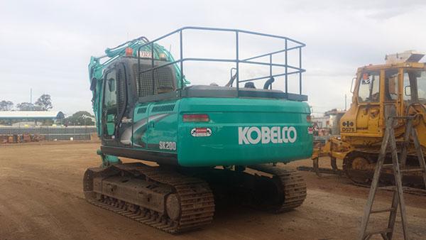 Hawe Earthmoving 2 x Kobelco 2014 SK210–8 Bundaberg