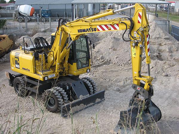 Hawe Earthmoving Komatsu PW160 – 7 2005 Wheeled Excavator for hire Bundaberg