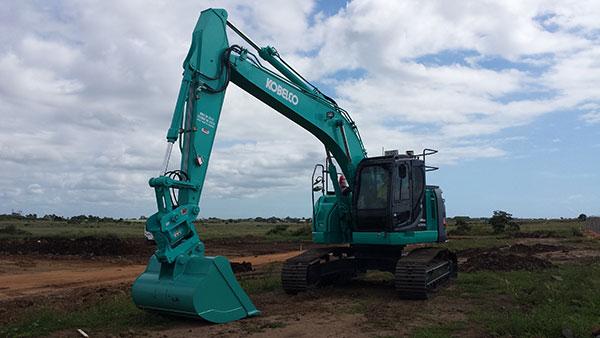 Hawe Earthmoving Kobelco 2015 SK235SR–8 Excavator for hire Bundaberg