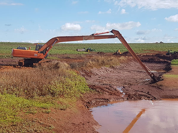 Hawe Earthmoving Hitachi ZX 330 2002 ZX330 Long Reach Excavator for hire Bundaberg